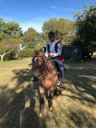 Theo sur son cheval - Pampa - Argentine