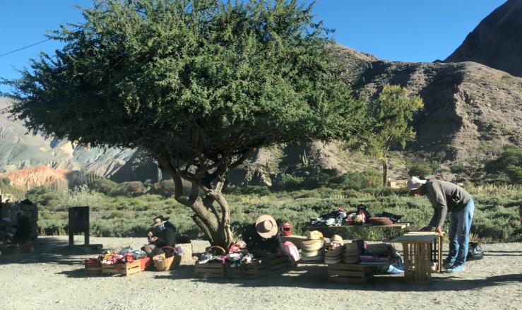 Le long de la route - Vendeur de Sombreros - Quebrada de Humahuaca - Nordeste - Argentine