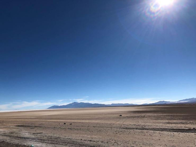 Et le paysage devient plat - Salar - Nordeste - Argentine