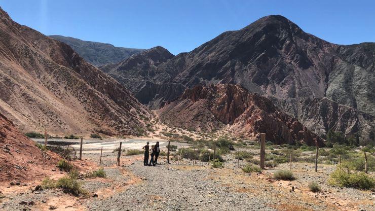 En attendant Geoffrey...Paseo de los colorados - Nordeste - Argentine
