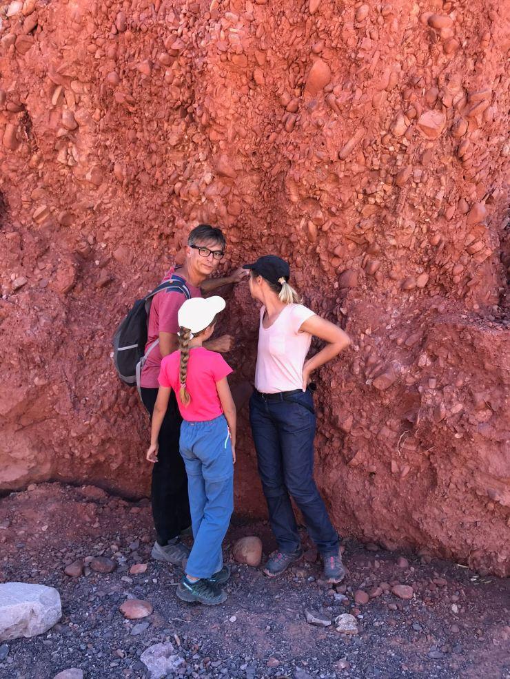 Contre la roche, à l'ombre - Quebrada de la senoritas - Uquia - Nordeste - Argentine
