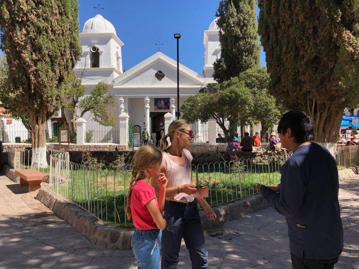Face à l'église d'Humahuaca - Nordeste - Argentine