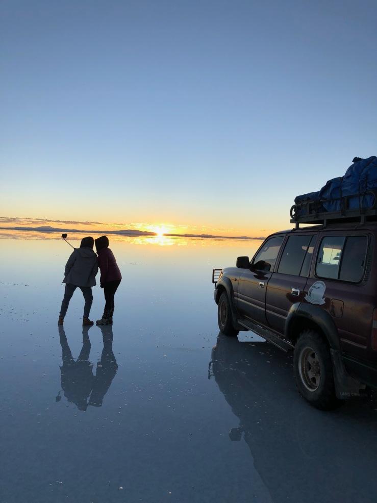 Lever de soleil sur le Salar d'Uyuni - Bolivie