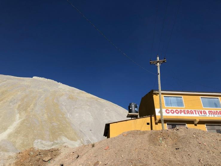 Au pied du Cerro Rico - La maison de la coopérative des mines - Potosi - Bolivie