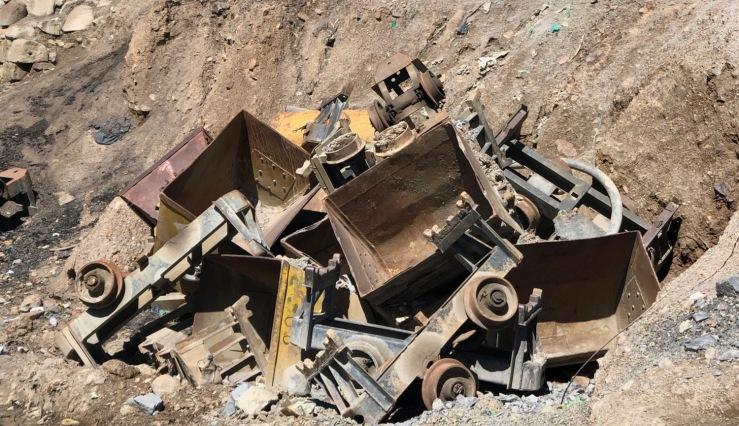 Vieux wagonnets - Extérieur de la mine - Potosi - Bolivie
