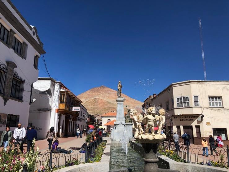 Fontaines et jolies ruelles coloniales - Potosi - Bolivie