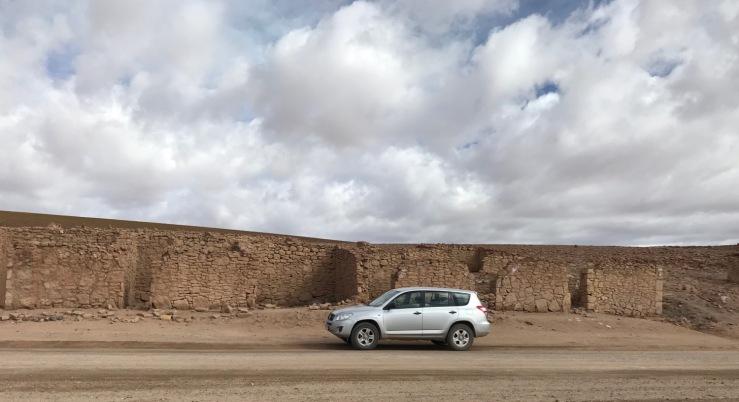 Le SUV de Sergio nous attend - Désert d'Atacama - Chili