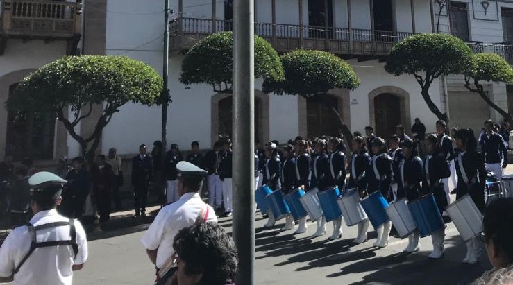 Défilé en préparation des festivités du 25 de Mayo - Sucre - Bolivie