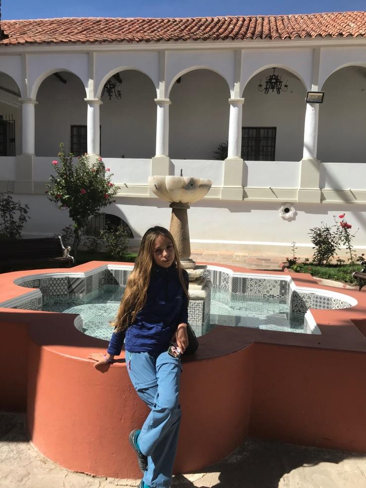 Eden dans le Patio du Museo Charcas - Sucre - Bolivie